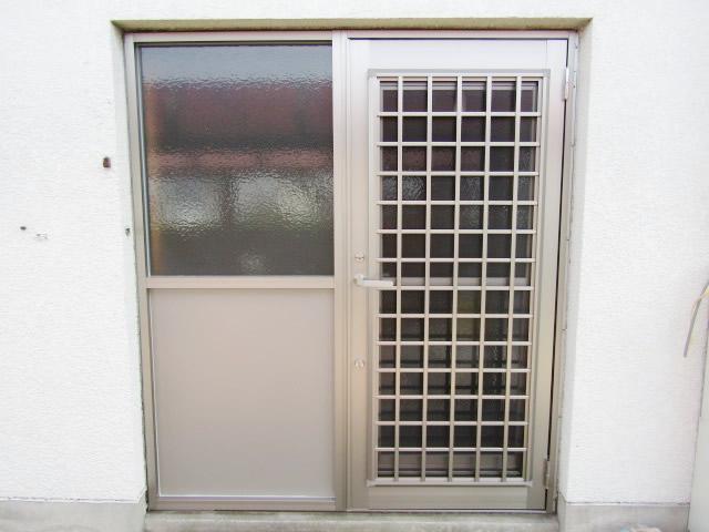 名古屋市港区 【LIXIL リシェント勝手口ドア A型】 裏口ドア 取替工事 施工後