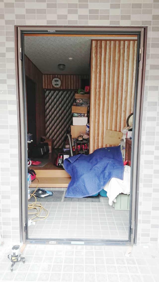 名古屋市西区 リクシル リシェント玄関ドアⅢ リフォーム工事 施工中